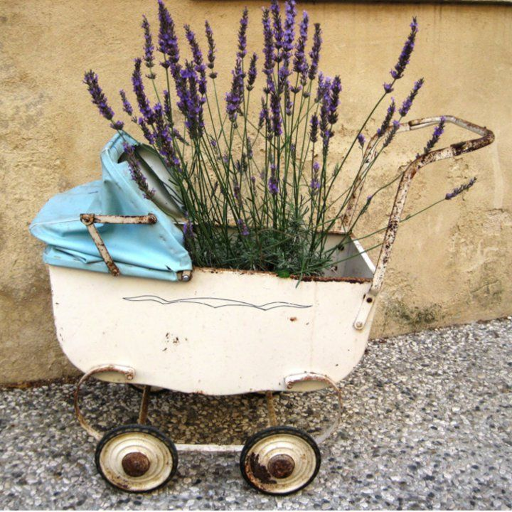 #PAYPARENTHOODFORWARD: LAVENDER, WHITE NOISE AND MUSLIN CLOTHS