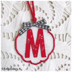 Free standing lace gift tag with applique monogram letter M