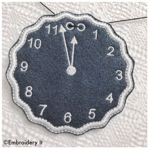 Machine embroidery banner clock in the hoop design