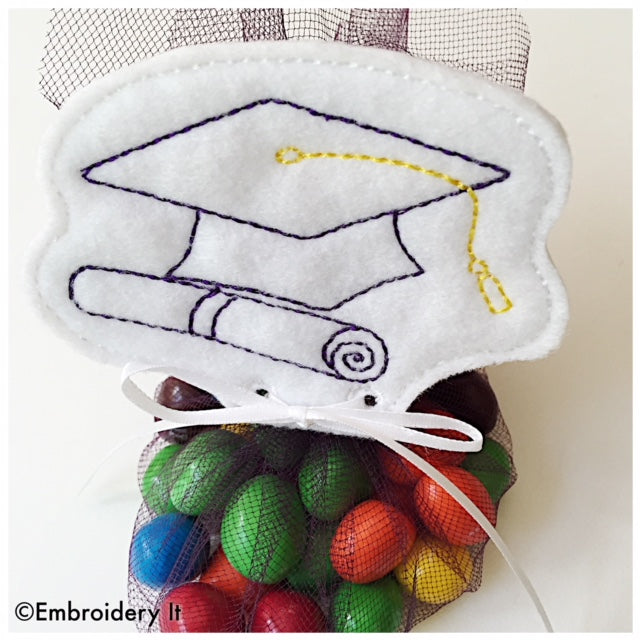 Machine embroidery Graduation cap treat topper