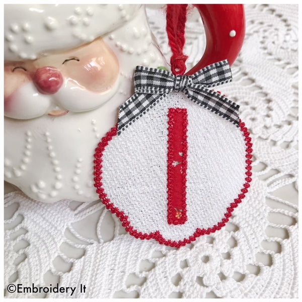 Letter I freestanding lace applique gift tag