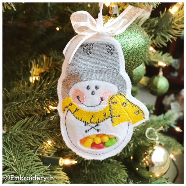 Candy holder snowman with thimble hat machine embroidery design