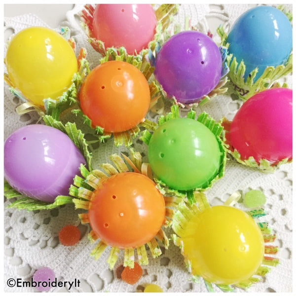 machine embroidery Easter egg holder