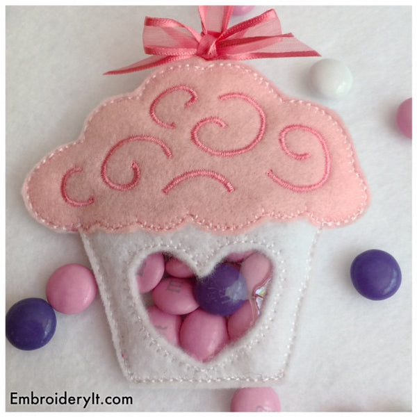 Cupcake candy holder in the hoop design