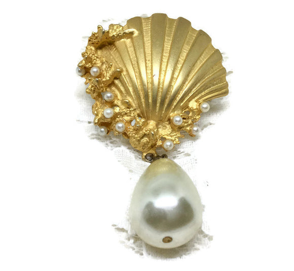 Vintage Goldtone Clamshell with Large Faux Pearl Dangle Brooch Pin - Judy's Jewelry Basket