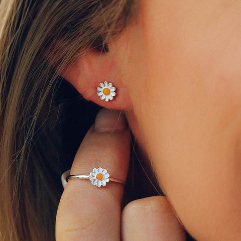 Pura Vida Bracelets - Daisy Studs Earrings