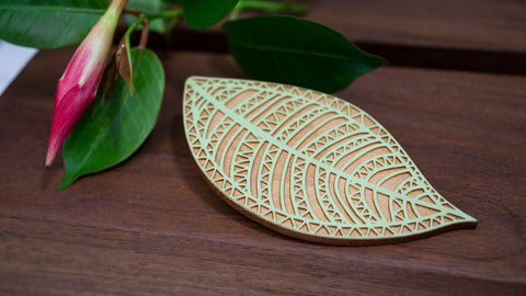 Sage Geo Leaf Wood Clip