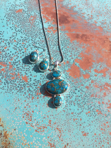 Mohave Kingman Turquoise Oval Pendant & Earring Set