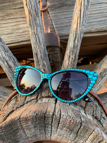 Cateye Sunglasses in Turquoise on Black
