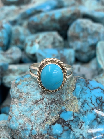 Oval Kingman Turquoise ring size 8 1/2