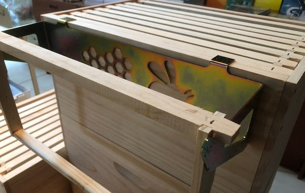 Frame Holder - Bee Pattern for WOOD hives