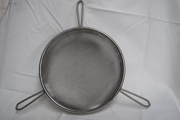 Honey Bucket - 31.5L plus large honey strainer to suit
