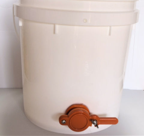 Honey Bucket with honey gate - 15Ltr