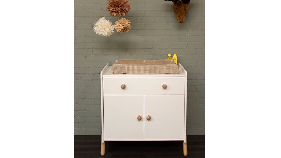Combi deal! Vrolijk ledikant + commode in wit