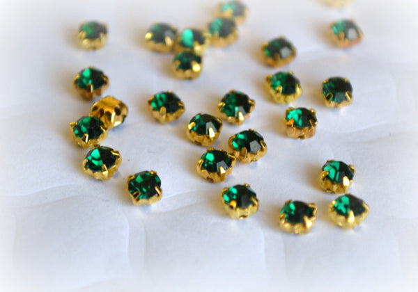 3mm Emerald Green Glass Sew on Rhinestones