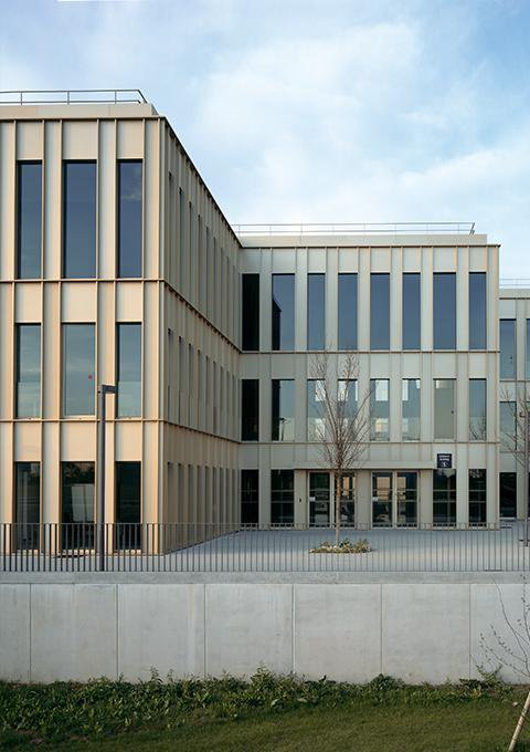 David Chipperfield - Edificio MBA en la Escuela HEC de París