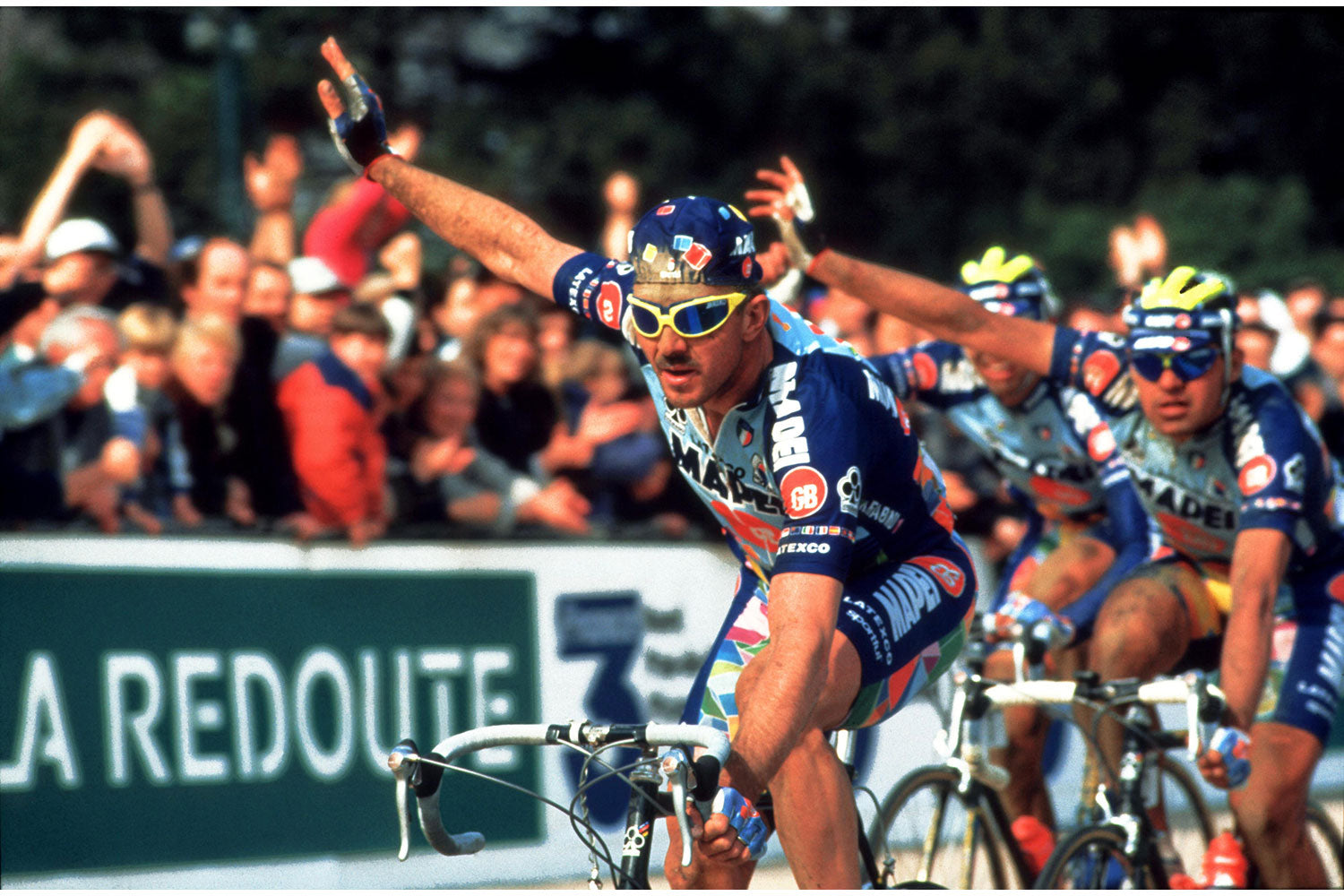 Paris - Roubaix 1996: Johan Museeuw taking the win ahead of teammates Gianluca Bortolami & Andrea Tafi to complete an all-MAPEI podium.