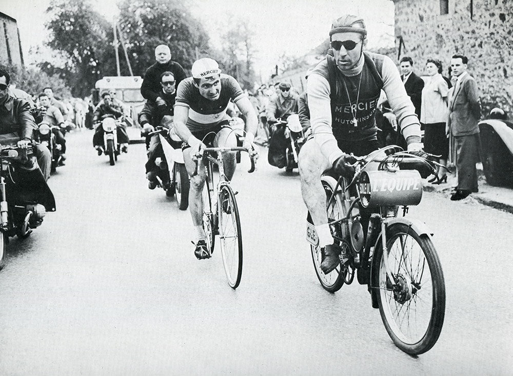 French national road race champion Bernard Gauthier (Mercier-Hutchinson) won the 1956 edition of Bordeaux-Paris.