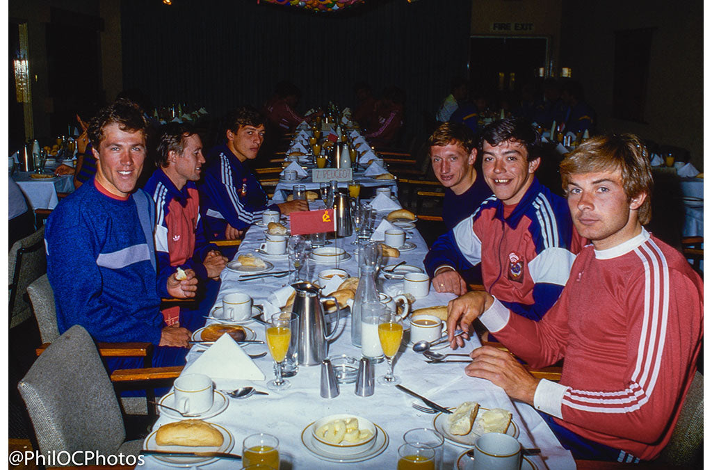 Breakfast for the 1987 Team winners.