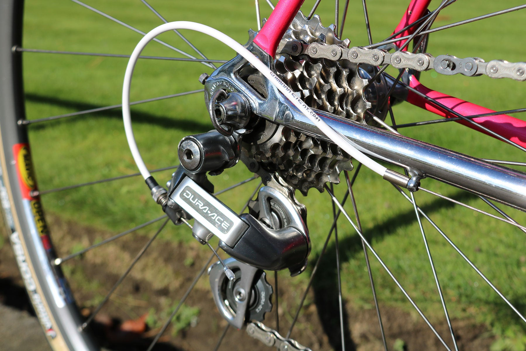Shimano Dura Ace 8-Speed Rear Derailleur (RD-7402) with hard-to-find white gear cables