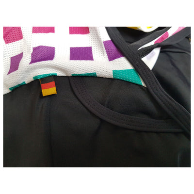 As well as the rear pocket, on the back of the bib shorts is this subtle nod to the national colours of Germany: black, red, and gold.