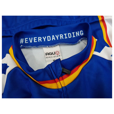 AGU have used a YKK full front zip on the Panasonic retro long sleeve jersey