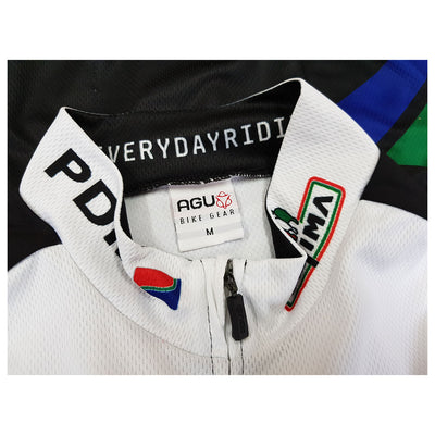 AGU have used a top-quality YKK front zip on the PDM short sleeve retro jersey