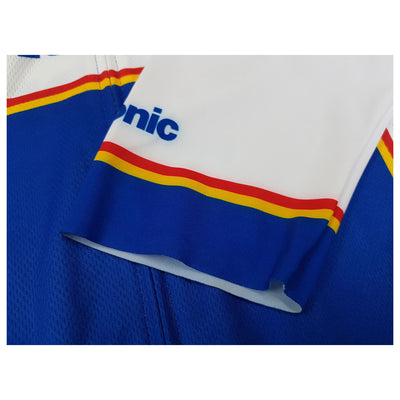 Raw-cut Lycra sleeves give the Panasonic retro jersey a modern look.