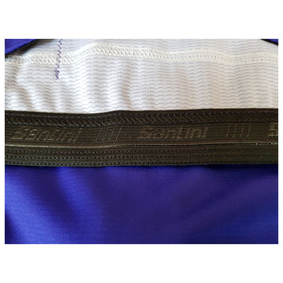 A Santini silicon gripper on the inside of the ADR retro jersey.