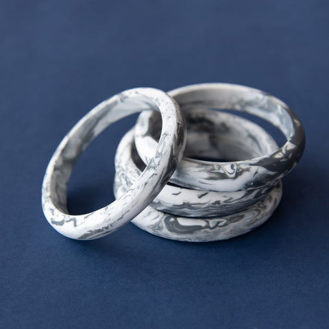 RO2010BG-GREY-MARBLE-BANGLE-2.jpg