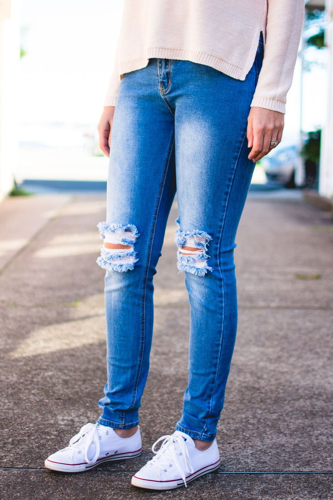 LEXI RIPPED JEAN - SIZE 8