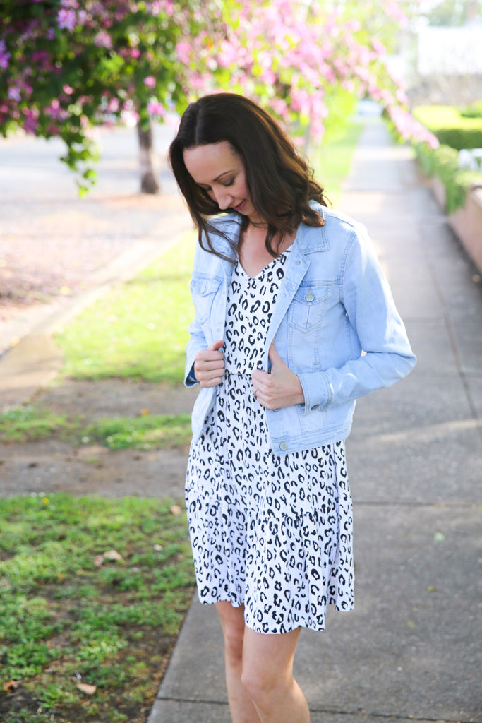 Stylish leopard dress for breastfeeding mums
