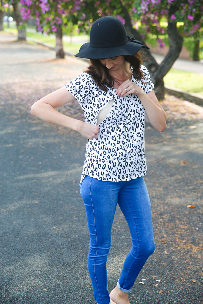Leopard print breastfeeding top with zips