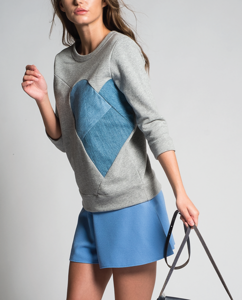 Queen of Heart Sweatshirt in Grey