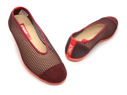 Women's Summer in Maroon