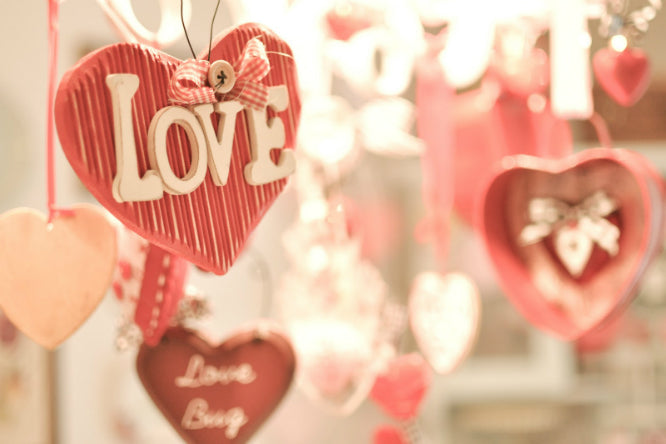Top 6 Decorations that You Must Have for Valentine's Day