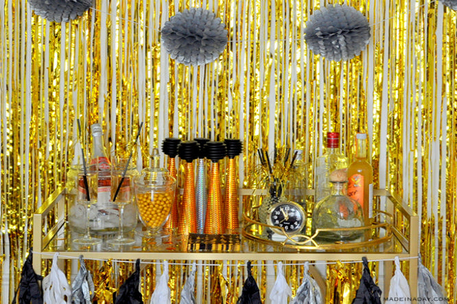 10 Photobooth Ideas, Accessories, and Decors for New Year's Eve