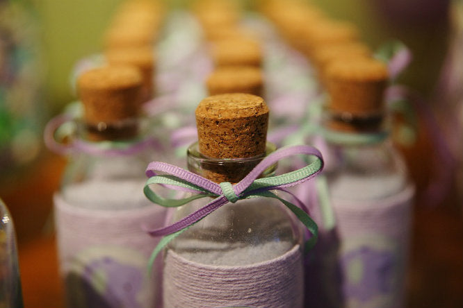 10 Housewarming Party Favors That you Should Give Now