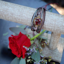 Load image into Gallery viewer, Memory Flower Jewelry | Classic Round Leather Bracelet