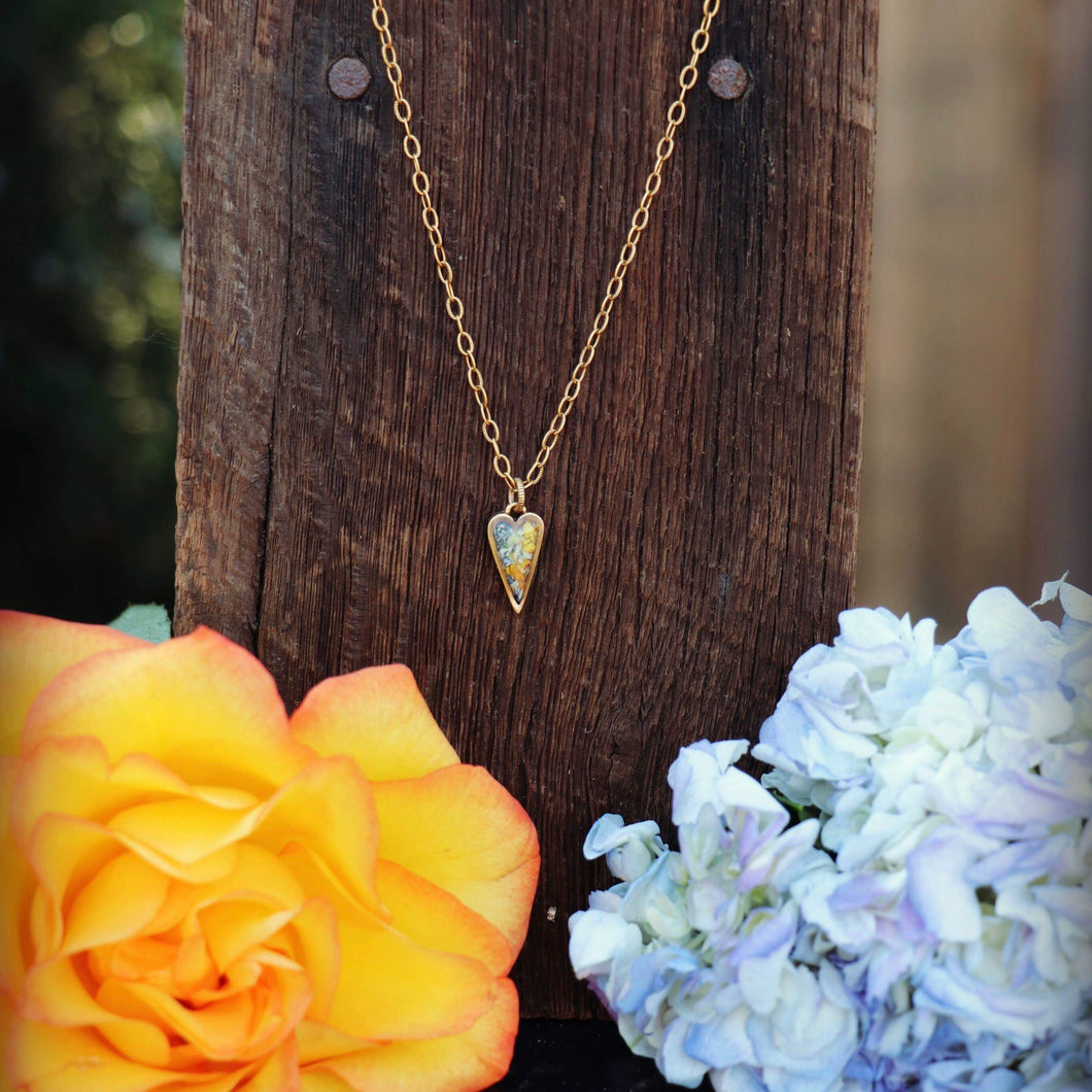 Memory Flower Jewelry | Itsy Heart Necklace