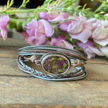 Load image into Gallery viewer, Memory Flower Jewlery | Traditional Oval Leather Bracelet