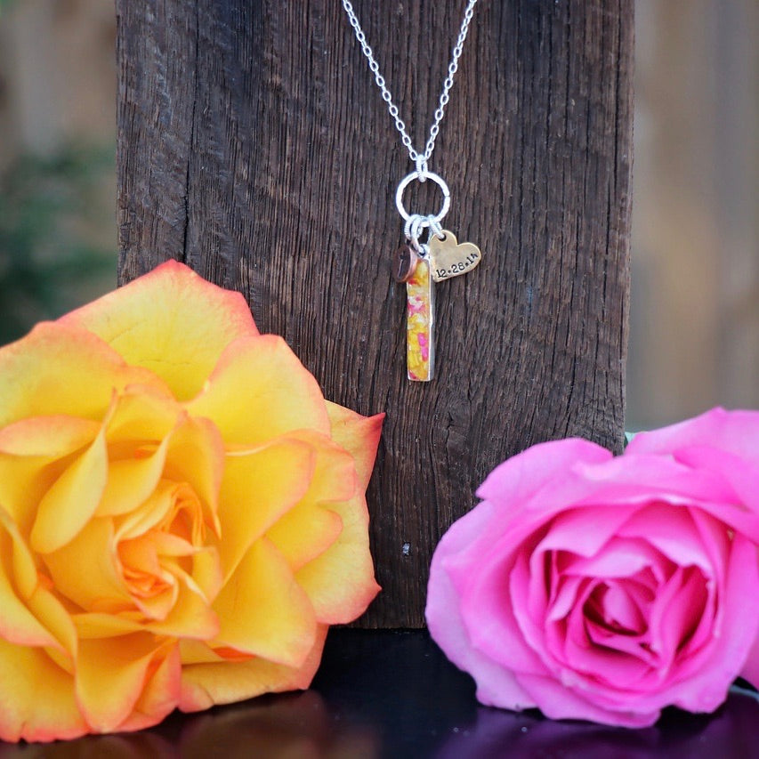 Memory Flower Jewelry | Vertical Bar Charm Necklace
