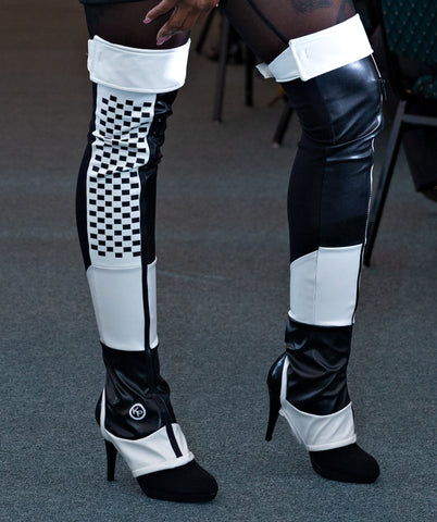 BLACK AND WHITE  RACER SPORT THIGH BOOT LEGGING