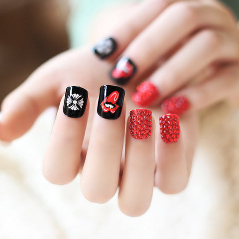 24 Pcs/Set Kiss Me Lip Shimmer Crystal Monkey Sexy Style Acrylic Short Fake False Sticker Nail Tips with Glue HB88