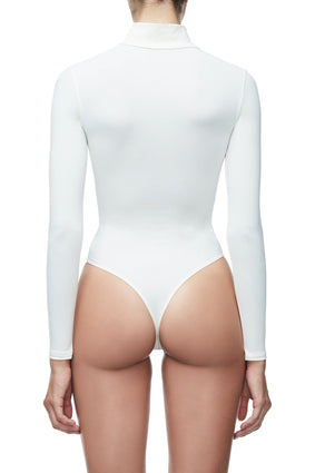 THE SLIGHTLY SCUBA BODY | WHITE002
