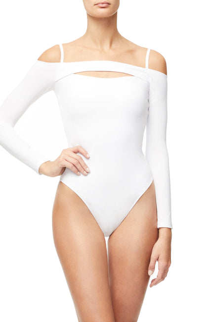 THE RIBBED OFF SHOULDER BODY | WHITE001