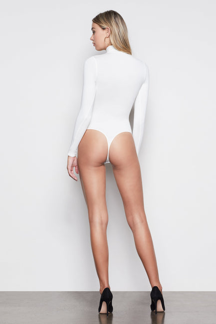 THE COVER-UP TURTLENECK BODY | IVORY001