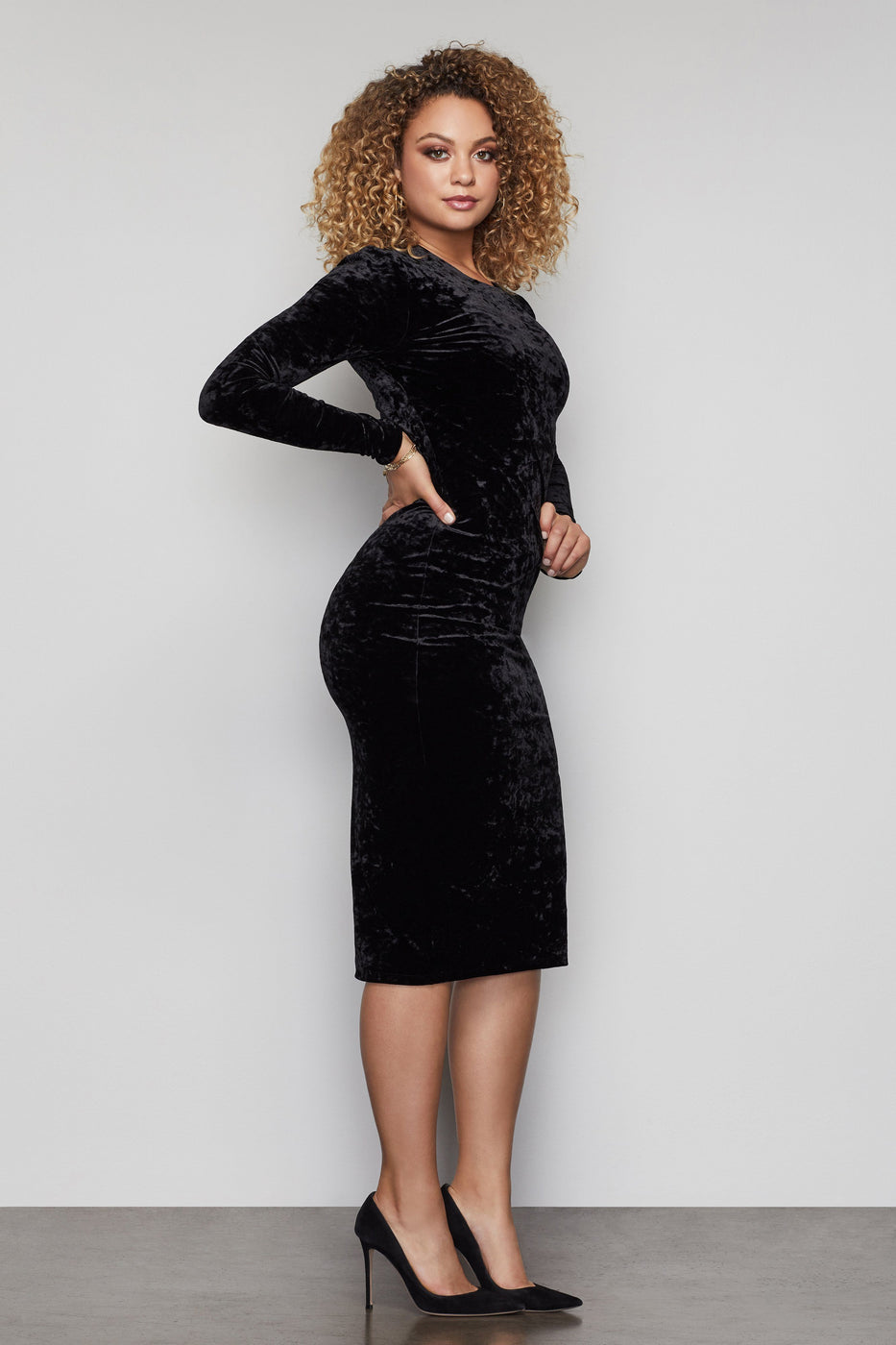 THE RULEBREAKER VELVET DRESS | BLACK001