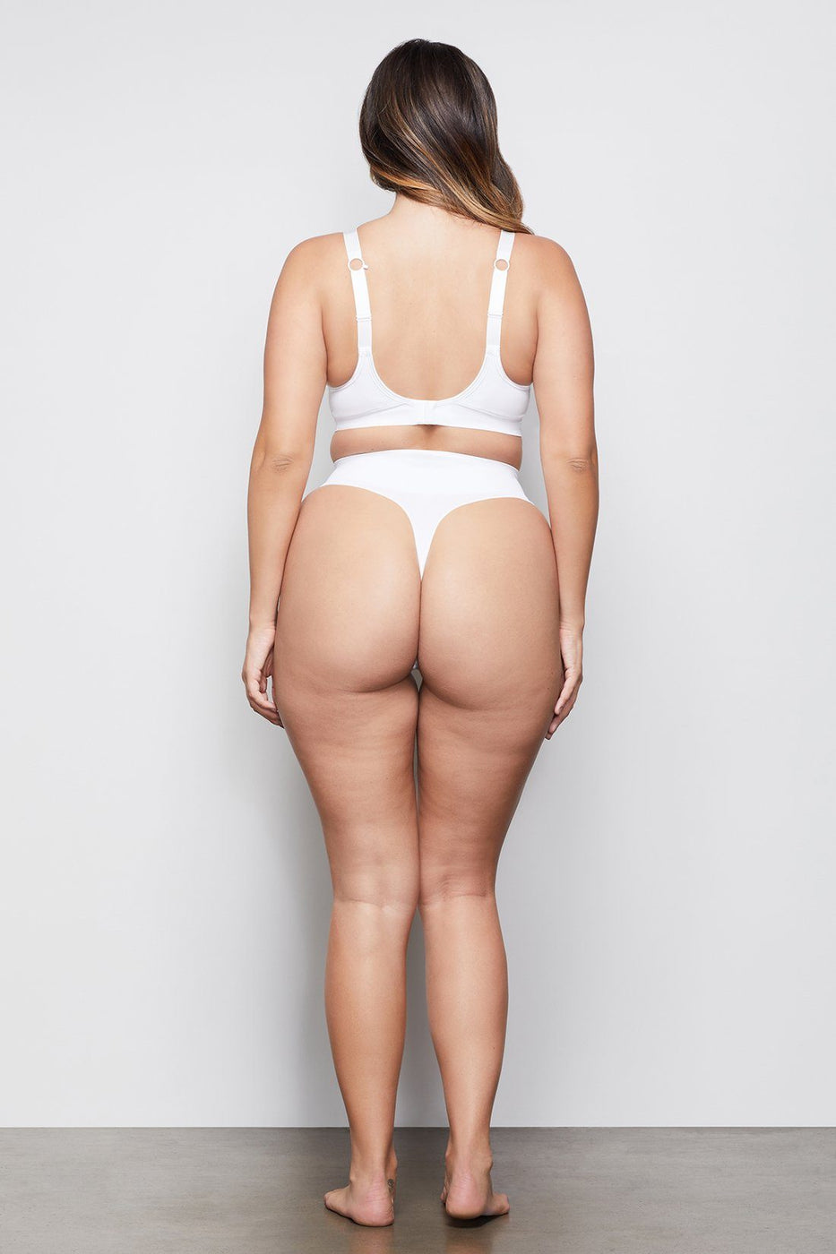 HIGH IMPACT COMPRESSION THONG | WHITE001