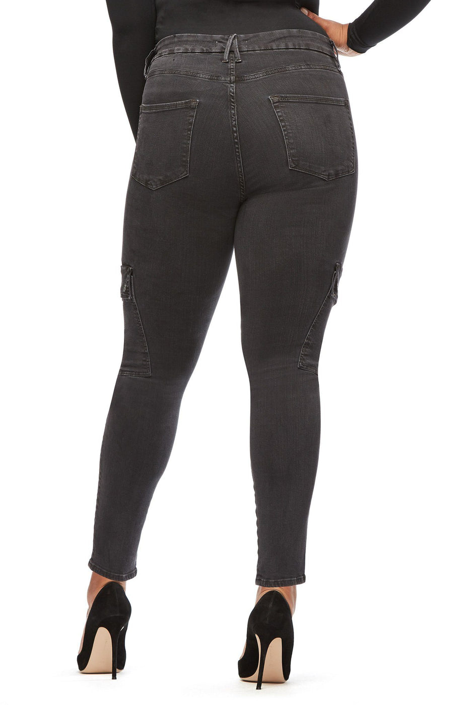 Good American High Waisted Crop Cargo Black031 Jeans